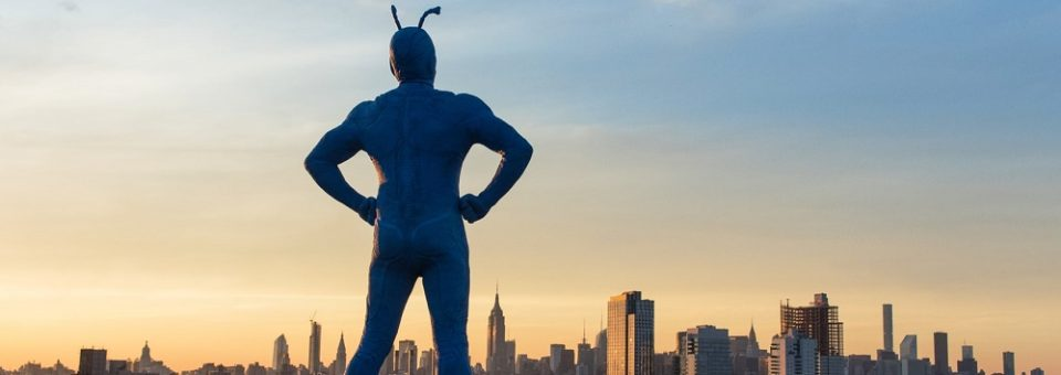 """Review: The Tick – Episode 1 """"It's good, it's warm…Like the inside of bread!"""""""