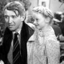 In the Christmas After The Ending episode we talk Elf & It's A Wonderful Life