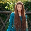 Daisy Ridley is Ophelia in the trailer for new film